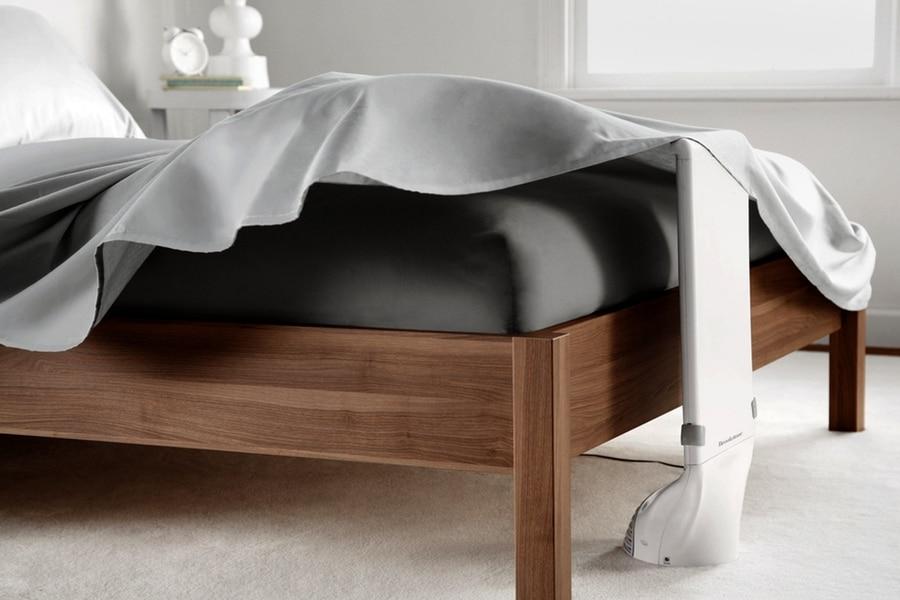 bed fan under sheets