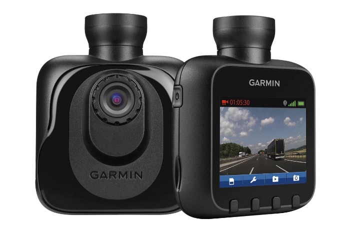 garmin dash cam10 front screen and back view