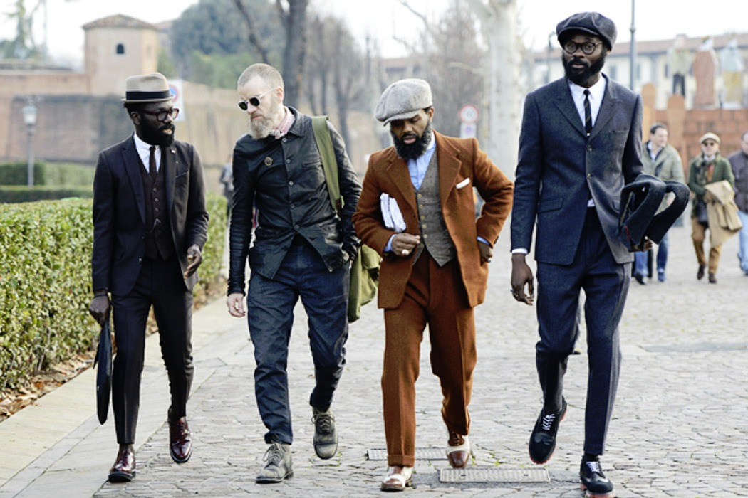 rock me pitti mens walking on the road