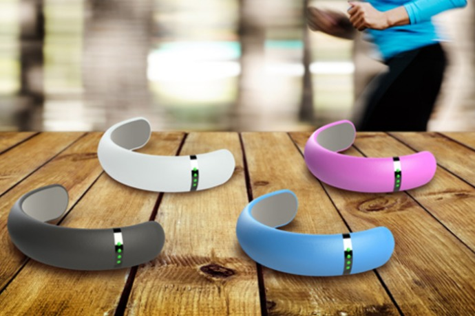 heapsylon sensoria smart socks on the wood