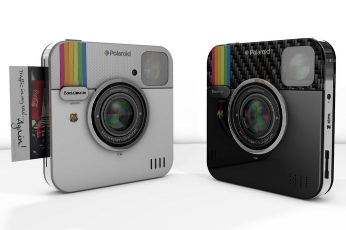 polaroid socialmatic digital camera front and back view