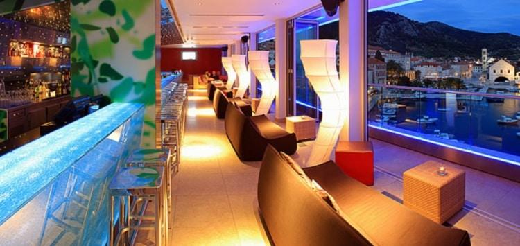the top bar hvar