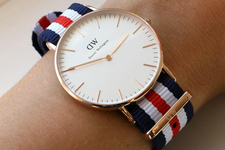 gallantoro hand pick clock