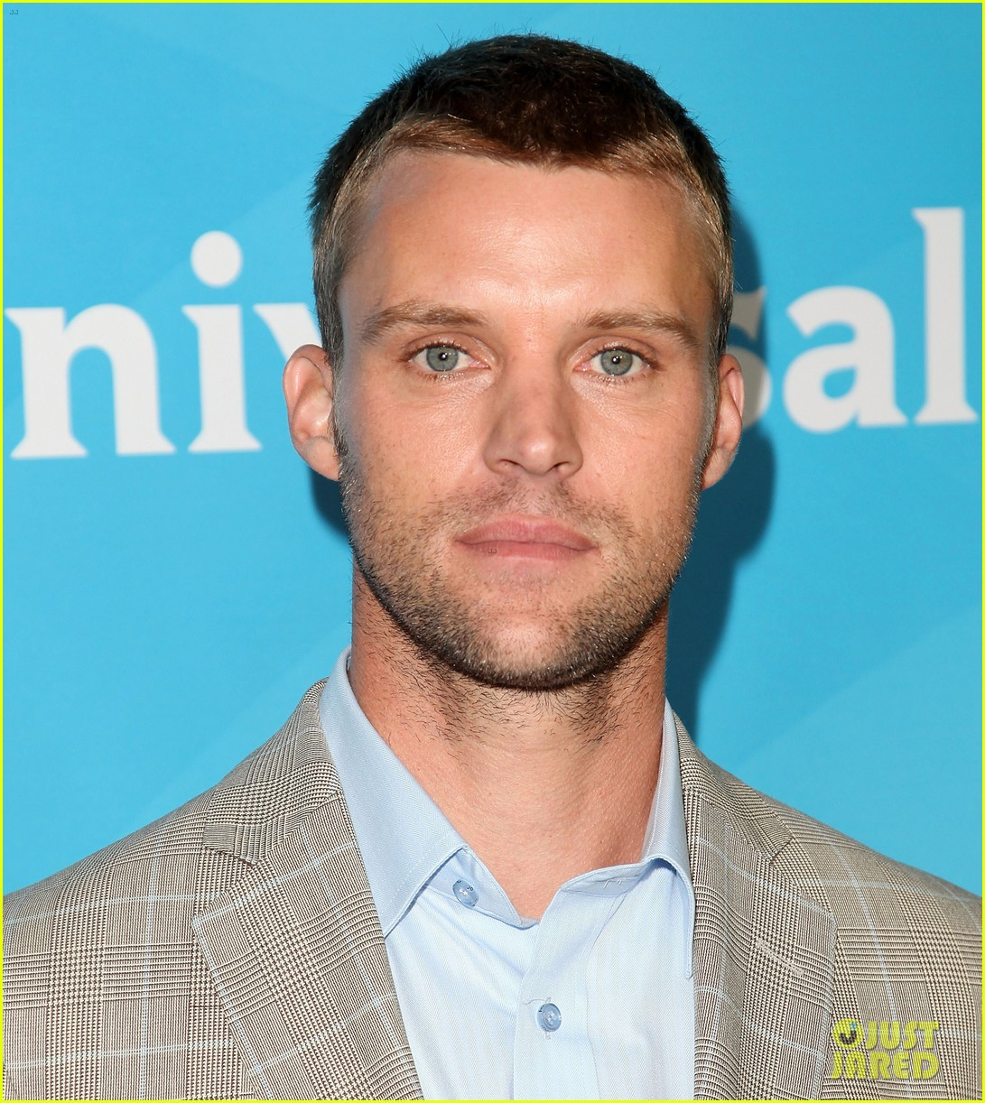 jesse spencer short cut hairstyle