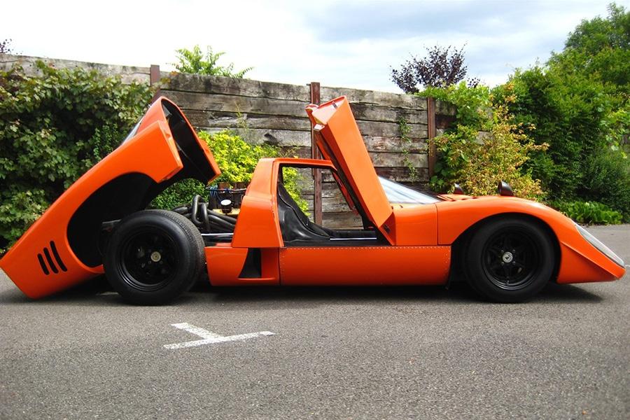 https://manofmany.com/wp-content/uploads/2015/06/1969-McLaren-M6GT-Coupe-6.jpg