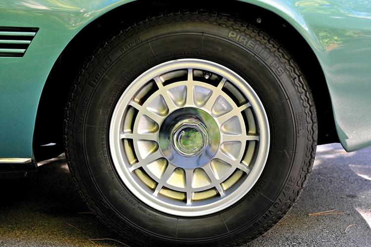 maserati back wheel