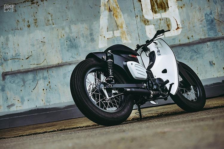 custom 2018 honda super power cub motorcycle back