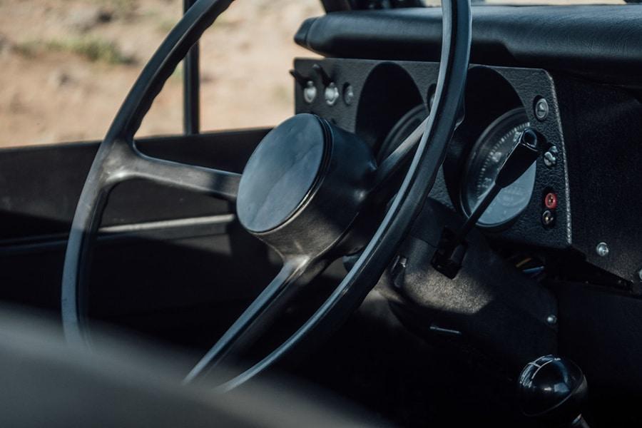 steering wheel view defender