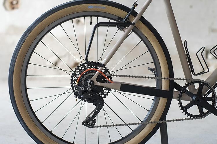 chuck bike chain and tyre shape