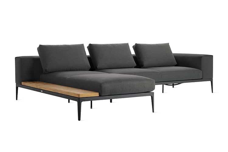 kussen on the grid sofa