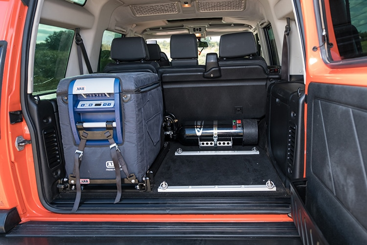2006 land rover g4 car luggages box