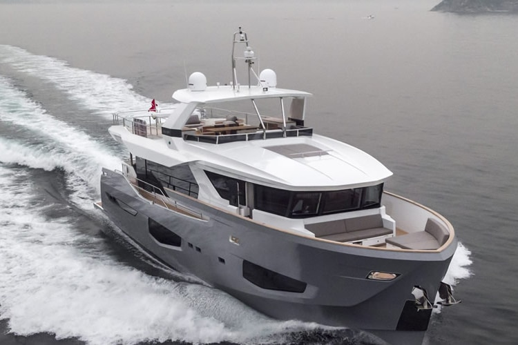 numarine 26xp high speed yacht