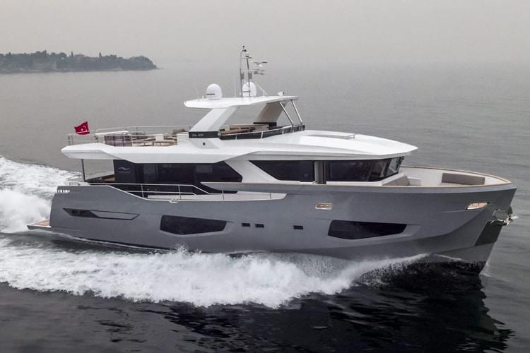 new numarine 26xp high speed expedition yacht
