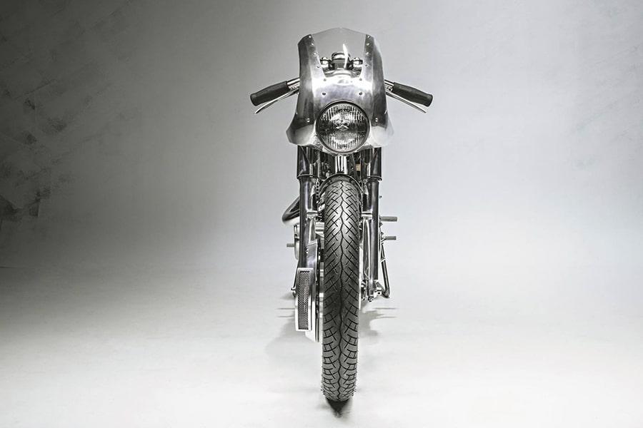 yamaha sr400 motorcycle front