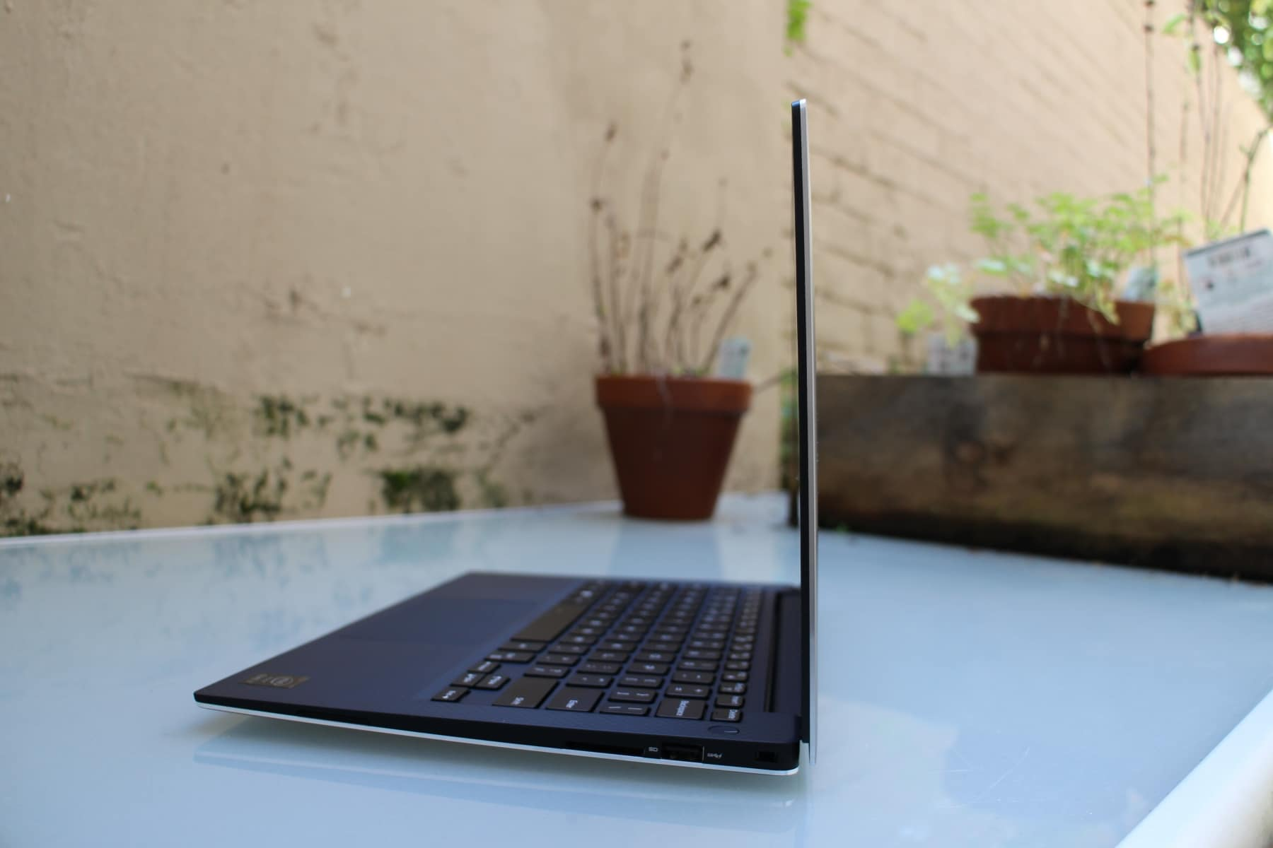 dell xps side view