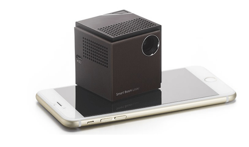 uo smart beam laser projector and smart phone
