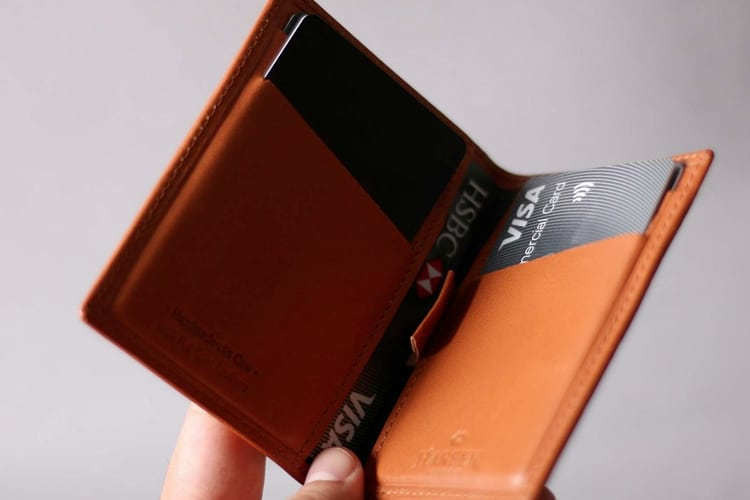 card holding harber london wallet
