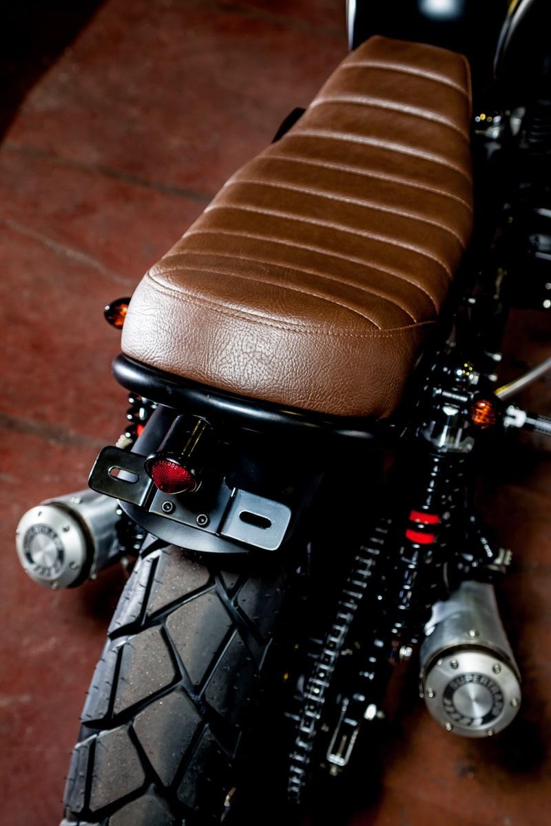 macco motors triumph bonneville se motorcycle back
