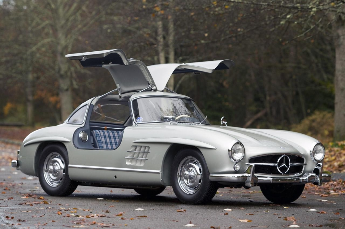 18 greatest gullwing cars