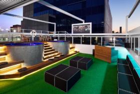 11 best rooftop bars in brisbane