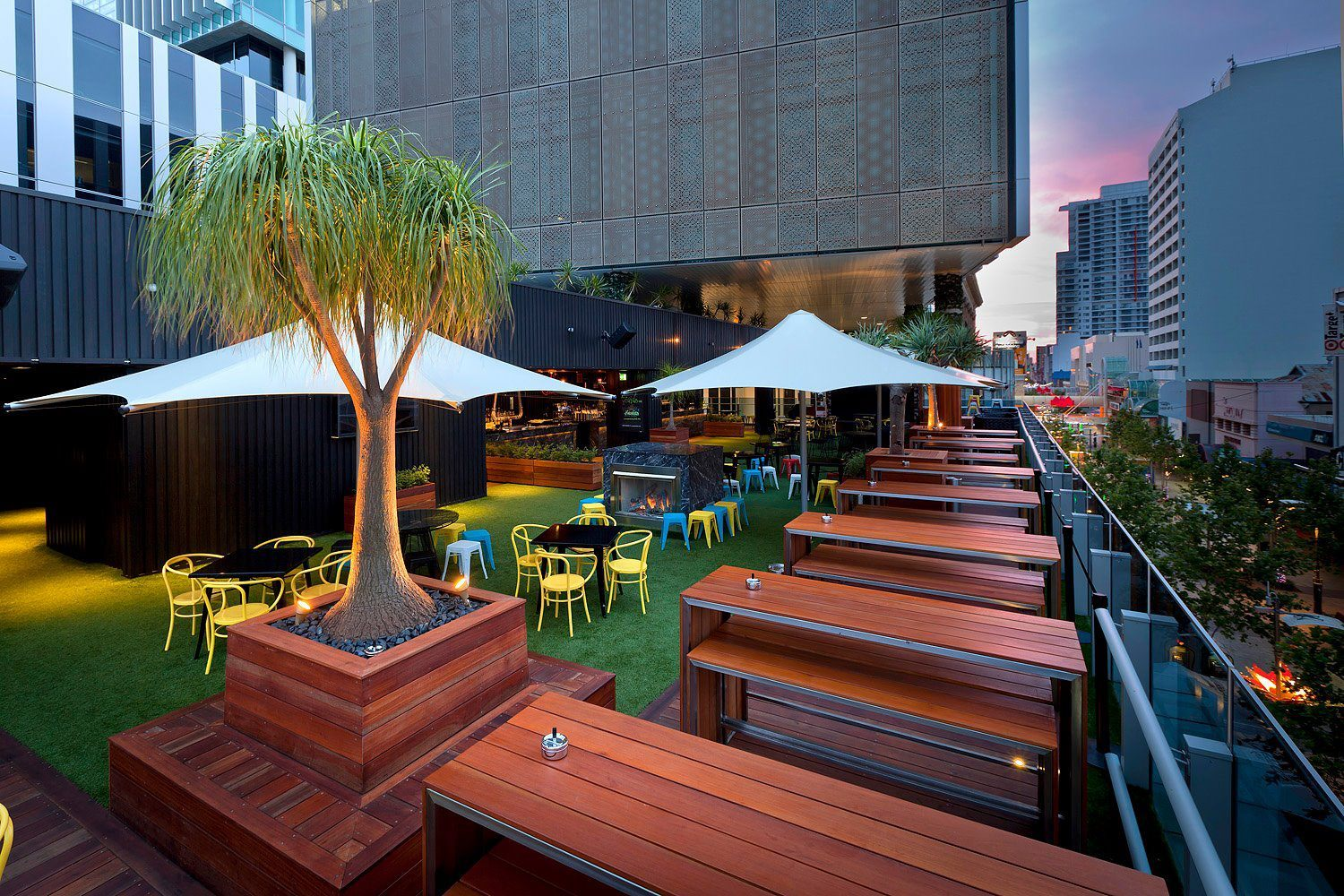 14 best rooftop bars in perth man of many for Food bar perth