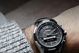 titan juxt watch wearing in the hand