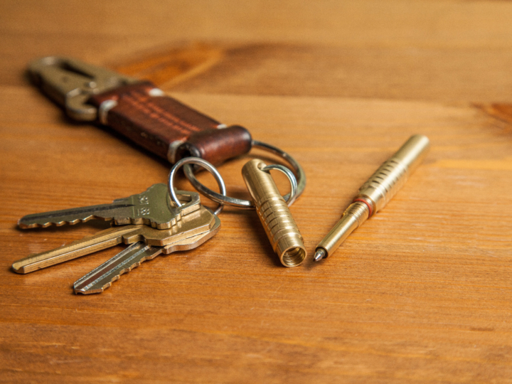 Always Keep a Pen Handy with this EDC Keychain