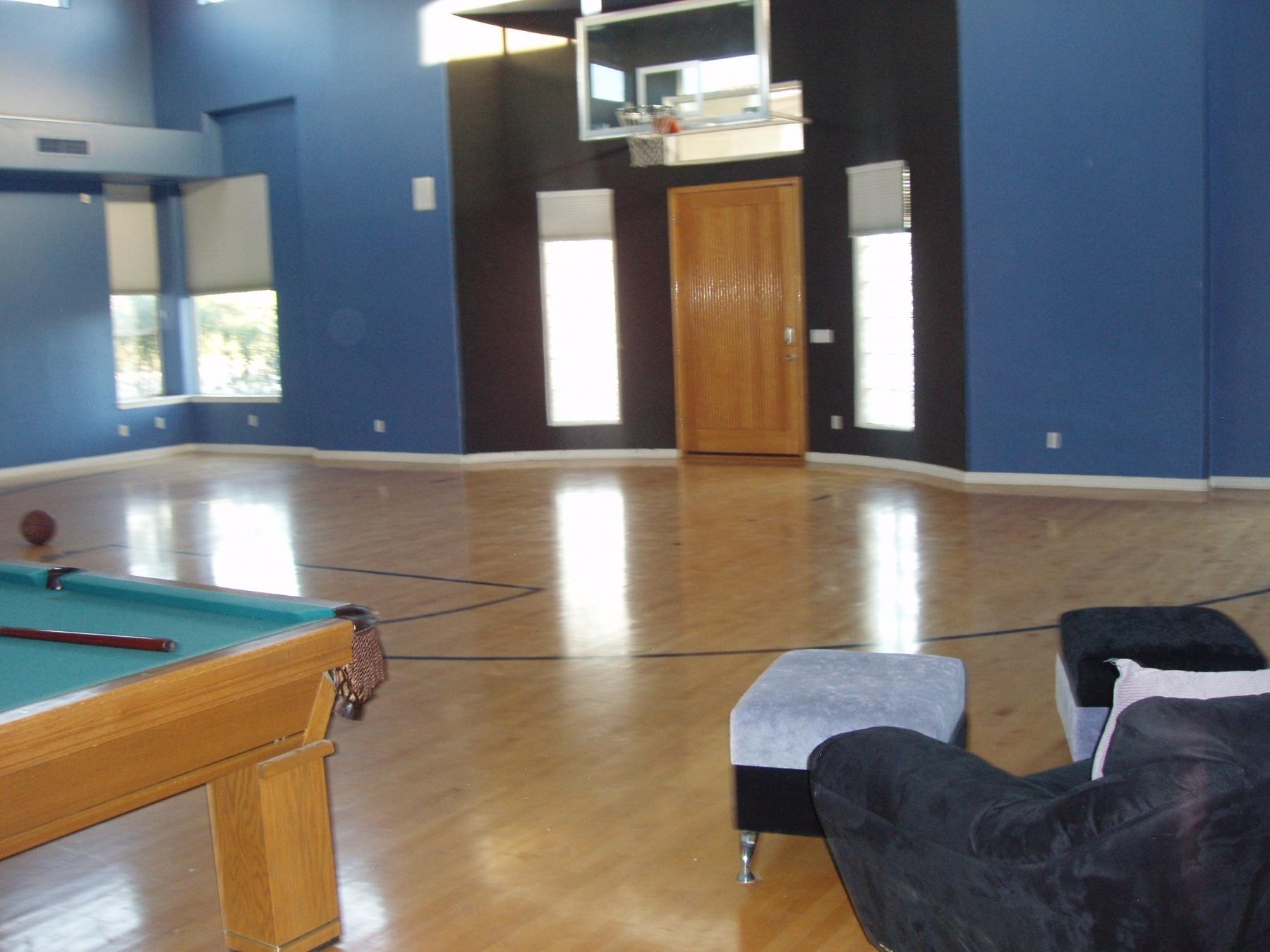 phoenix arizona indoor basketball court