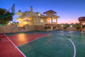 airbnb 7 places to stay with basketball court
