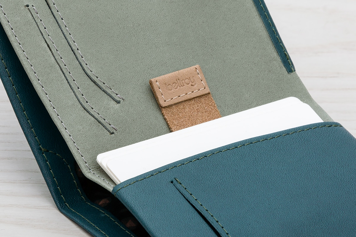 bellroy note sleeve 2.0 side pocket