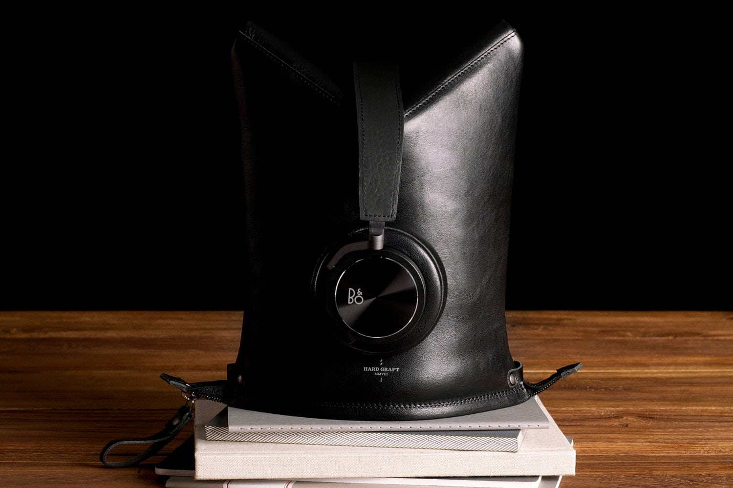 hardgraft peak headphone case headphone stand