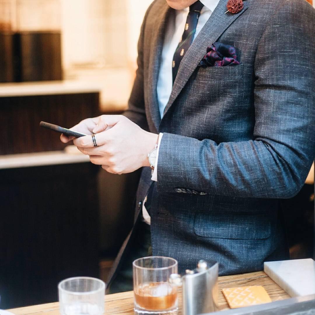 men press mobile wear suit pocket square