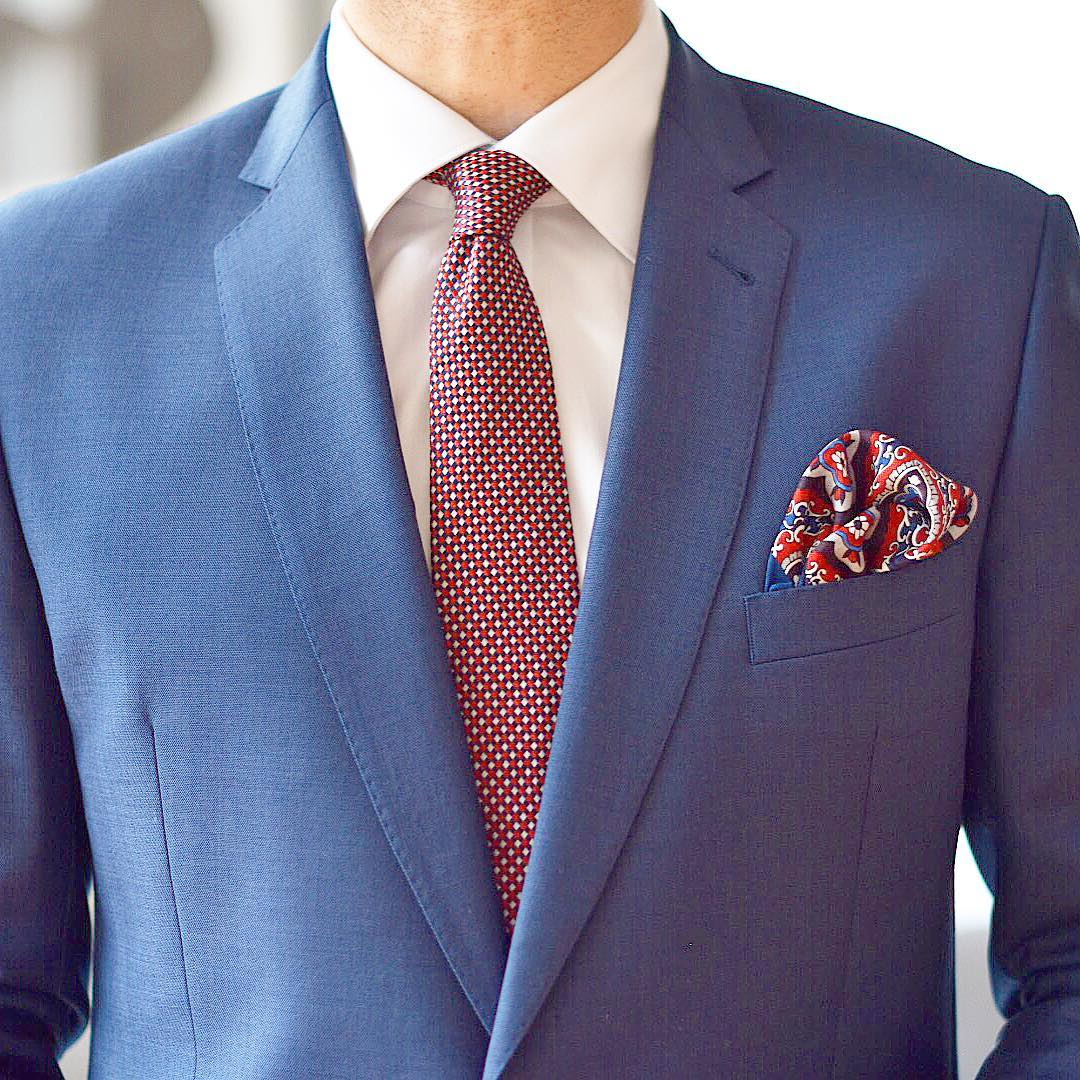 suit pastel coloure tie wear square