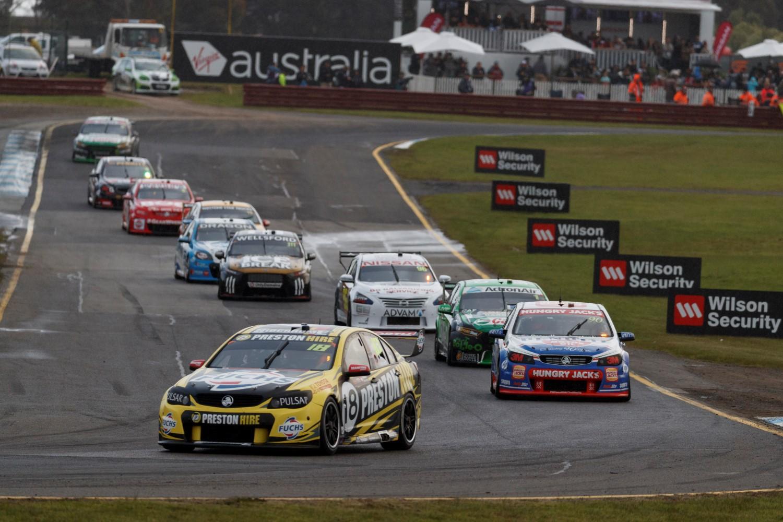 supercar touring car racing