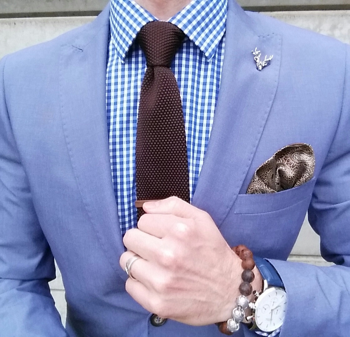 plain coloured shirt with different coloured tie square