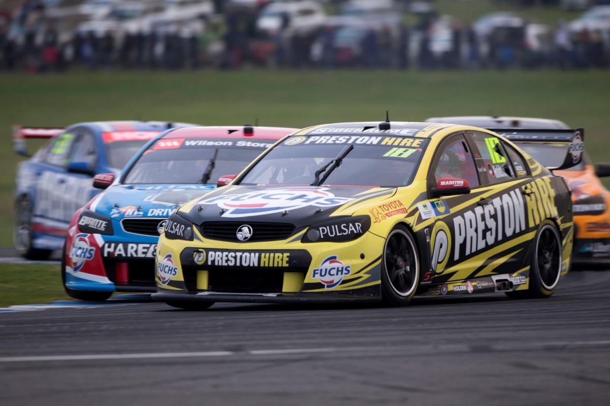Supercars at race