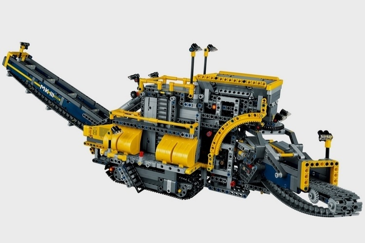 biggest lego technic set