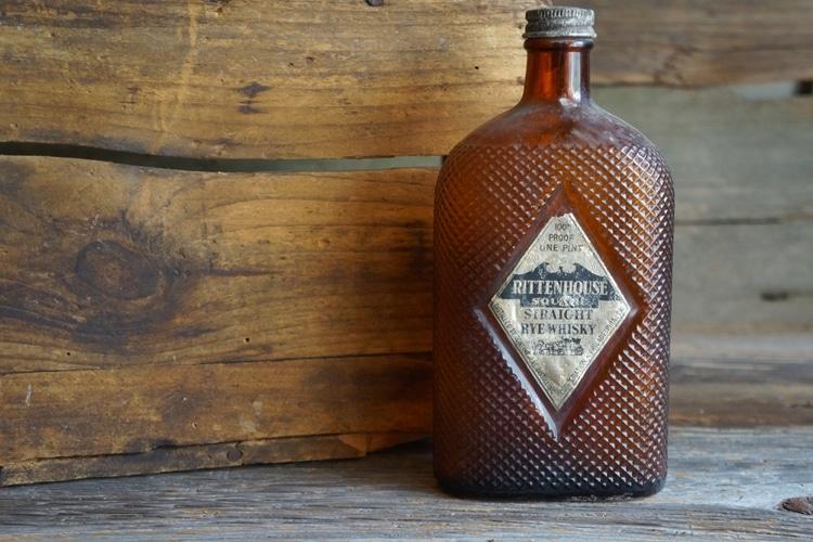 rittenhouse whisky bottle