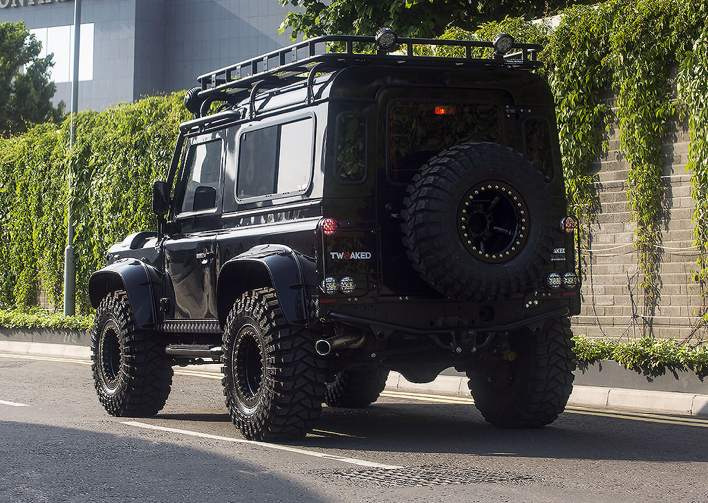 land rover defender 90 car back
