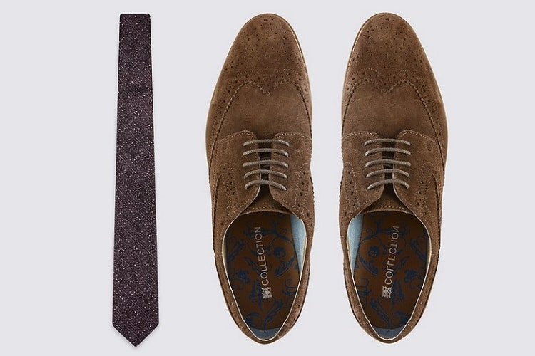 melbourne cup tie and shoes