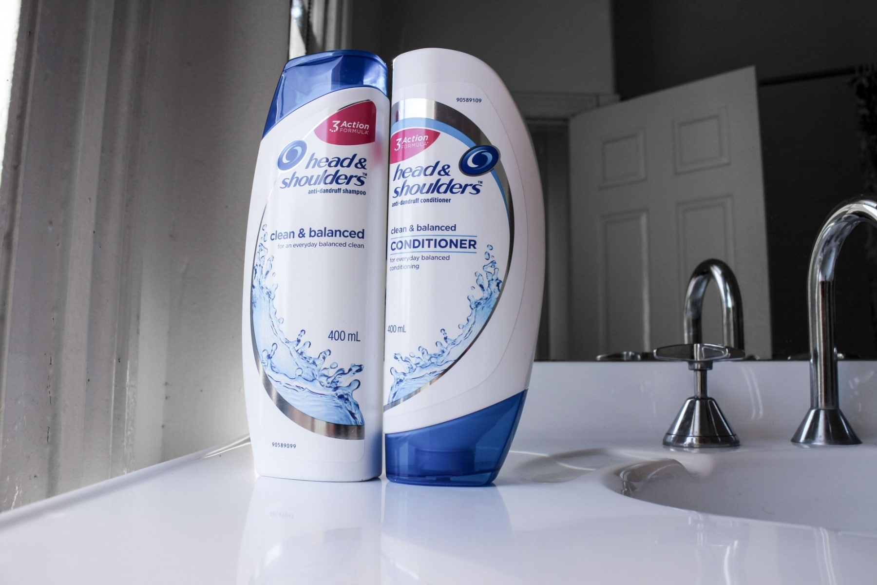 head and shoulders clean balanced