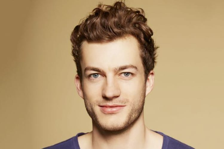 5 Men S Hairstyles For Guys With Wavy Hair Man Of Many