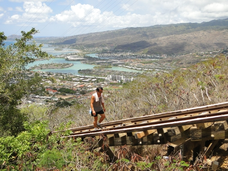 honolulu city diamond head hike