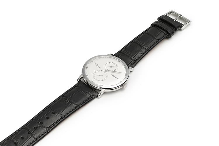 voyage watch flat