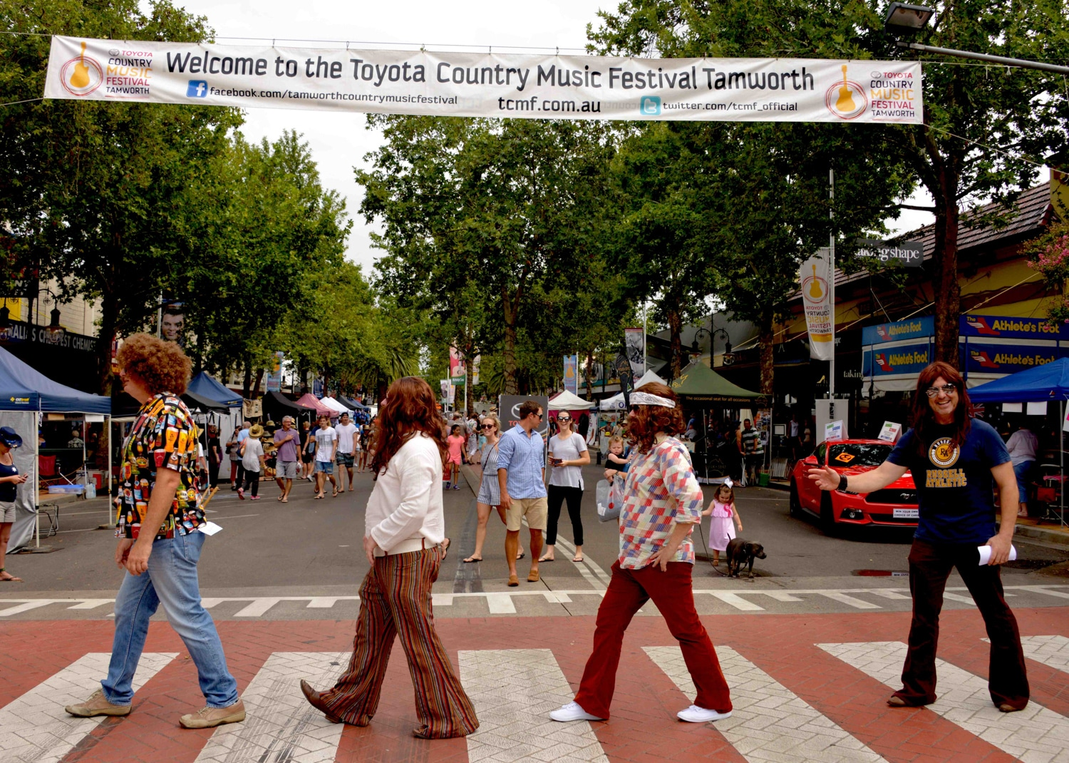 toyota country music festival people crossing road
