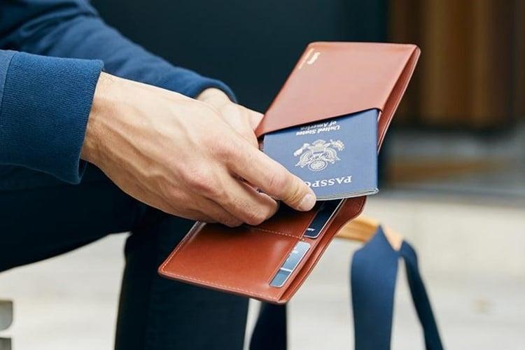 bellroy wallet pocket