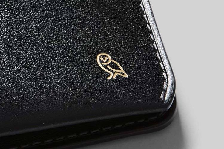 bellroy black color nice wallet