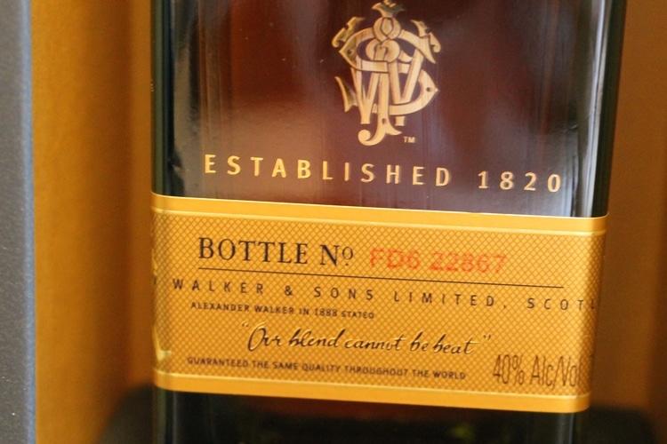 johnnie walker blue label whisky bottle