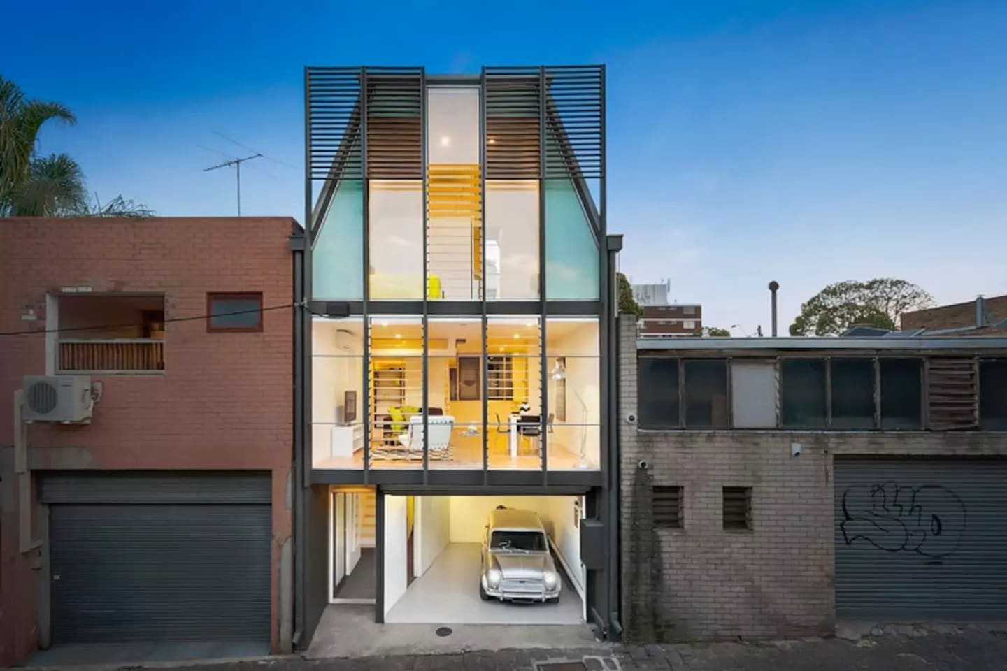 melbourne airbnb modern townhouse front view