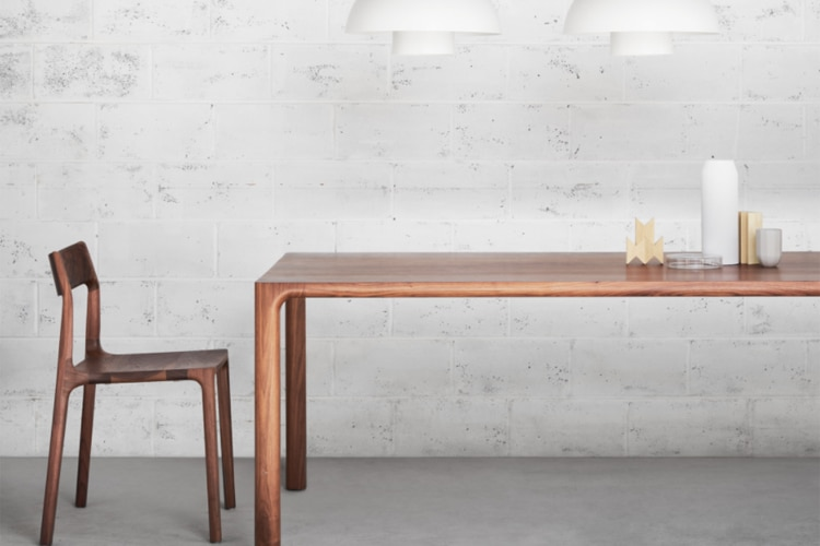 nau table and chair